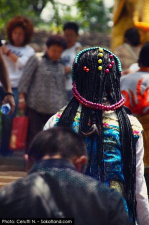 Xining_Taersi-People2.jpg